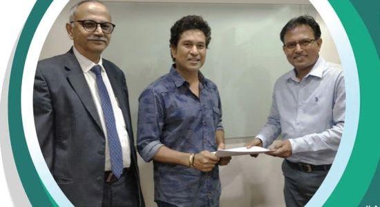 AMFI Signs Sachin and Dhoni for Mutual Funds Sahi Hai Campaign